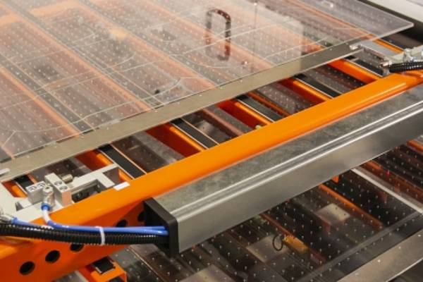 4JET presents turnkey solution for laser glass cutting – live at glasstec